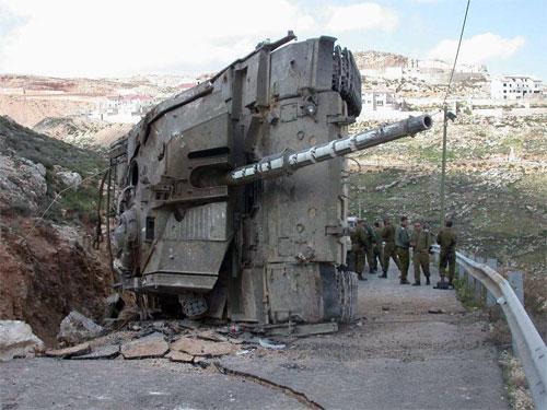 تانک مرکاوا منهدم شده توسط رزمندگان حزب الله در جنگ 33 روزه